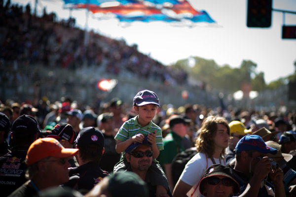 2013 V8 Supercar Championship. Round 1. Clipsal 500, Adelaide. 3rd March 2013. Sunday Race 2. Fans. Portrait.  World Copyright:  Daniel Kalisz/LAT Photographic Ref: Digital Image DKAL7528.jpg .