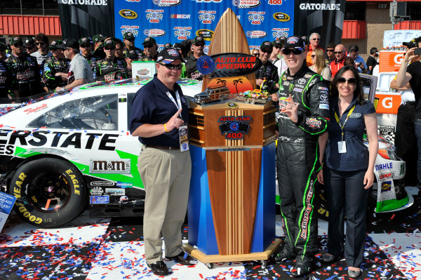 22-24 March 2013, Fontana, California USA Kyle Busch in Victory Lane ©2013, Scott R LePage LAT Photo USA