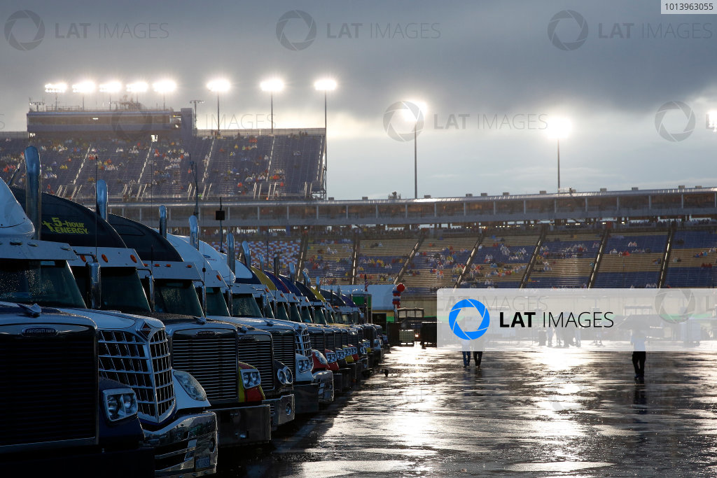 27-A Rain © 2013, Michael L. Levitt LAT Photo USA.