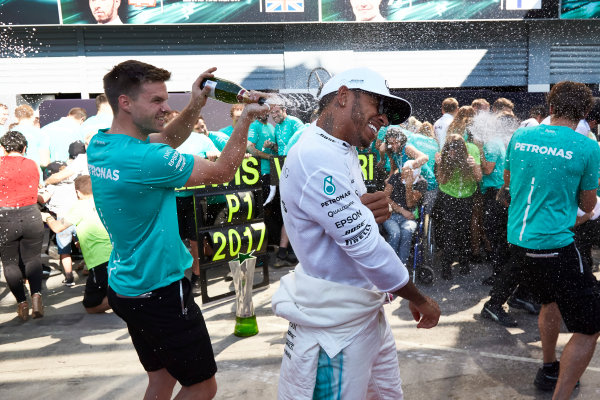 Autodromo Nazionale di Monza, Italy. Sunday 3 September 2017. Lewis Hamilton, Mercedes AMG, 1st Position, and the Mercedes team celebrate victory. World Copyright: Steve Etherington/LAT Images  ref: Digital Image SNE14767