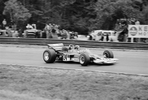 Watkins Glen, New York, USA. 4th October 1970. Emerson Fittipaldi (Lotus 72C-Ford), 1st position, action. World Copyright: LAT Photographic. Ref: 3345_33A-34