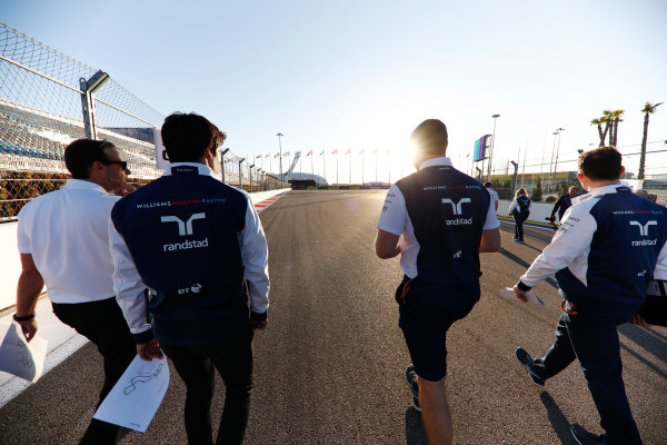 Sochi Autodrom, Sochi, Russia. Thursday 27 April 2017. Lance Stroll, Williams Martini Racing, conducts a track walk with colleagues. World Copyright: Glenn Dunbar/LAT Images ref: Digital Image _X4I5403