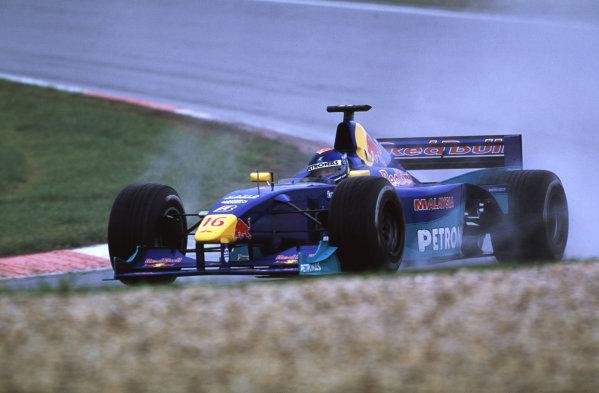 2000 European Grand Prix.Nurburgring, Germany. 19-21 May 2000.Pedro Diniz (Sauber C19 Petronas) 7th position.World Copyright - LAT Photographic35mm Original