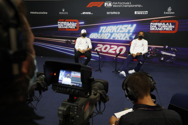 Valtteri Bottas, Mercedes-AMG Petronas F1, and Lewis Hamilton, Mercedes-AMG Petronas F1, in the press conference