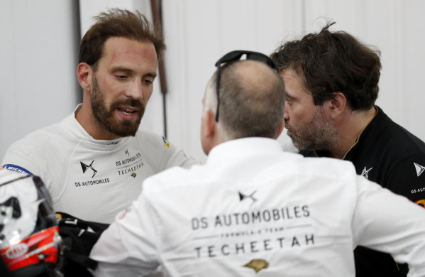 Jean-Eric Vergne (FRA), DS TECHEETAH talks with his team