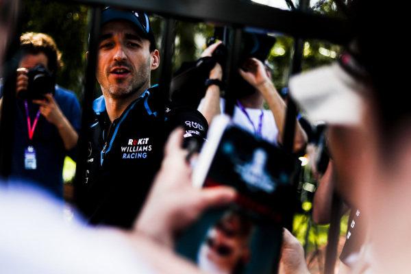 Robert Kubica, Williams Racing signs autographs
