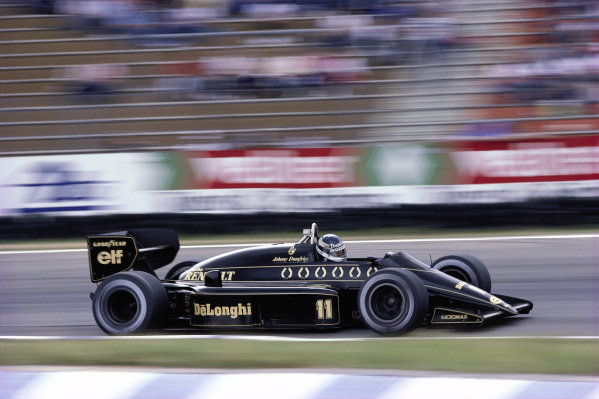Johnny Dumfries, Lotus 98T Renault.