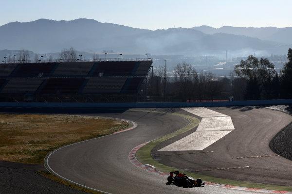 Circuit de Catalunya, Barcelona, Spain Tuesday 01 March 2016. Daniil Kvyat, Red Bull Racing RB12 TAG Heuer.  World Copyright: Zak Mauger/LAT Photographic ref: Digital Image _79P9388