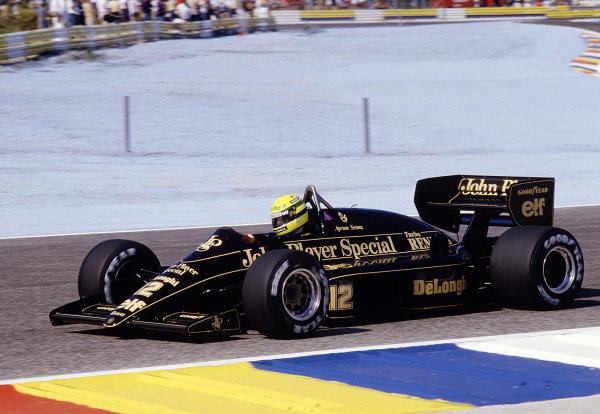 1986 French Grand Prix.  Paul Ricard, Le Castellet, France. 4-6 July 1986. Ayrton Senna (Lotus 98T Renault). Ref-86 FRA 33. World Copyright - LAT Photographic
