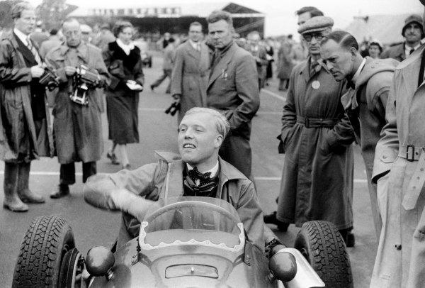 Silverstone, Great Britain. 17 July 1954.Mike Hawthorn, Ferrari 625/555, 2nd position, portrait.World Copyright: LAT PhotographicRef: Autosport b&W print
