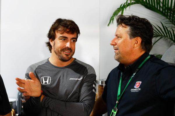Circuit of the Americas, Austin, Texas, United States of America. Saturday 21 October 2017. Fernando Alonso, McLaren, and Michael Andretti. World Copyright: Steven Tee/LAT Images  ref: Digital Image _R3I0473