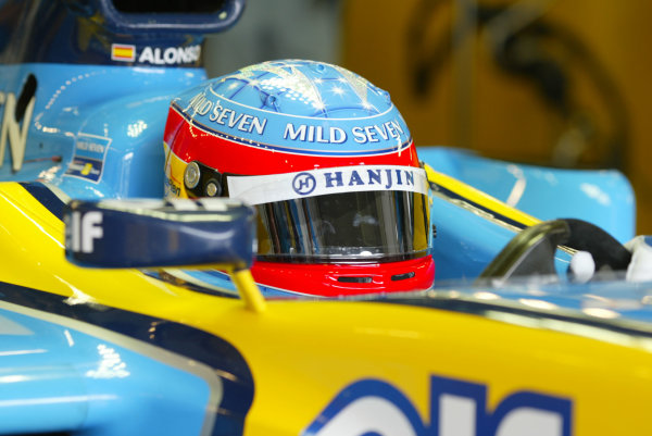 2003 European Grand Prix - Saturday Qualifying, Nurburgring, Germany.28th June 2003.Fernando Alonso, Renault R23, action.World Copyright LAT Photographic.Digital Image Only.