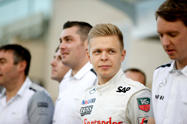 Yas Marina Circuit, Abu Dhabi, United Arab Emirates. Thursday 20 November 2014. Kevin Magnussen, McLaren. World Copyright: Glenn Dunbar/LAT Photographic. ref: Digital Image _89P3554