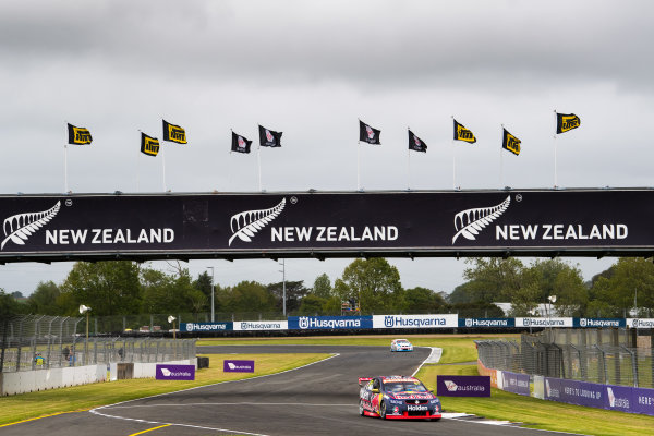 2017 Supercars Championship Round 14.  Auckland SuperSprint, Pukekohe Park Raceway, New Zealand. Friday 3rd November to Sunday 5th November 2017. Shane van Gisbergen, Triple Eight Race Engineering Holden.  World Copyright: Daniel Kalisz/LAT Images  Ref: Digital Image 031117_VASCR13_DKIMG_0286.jpg