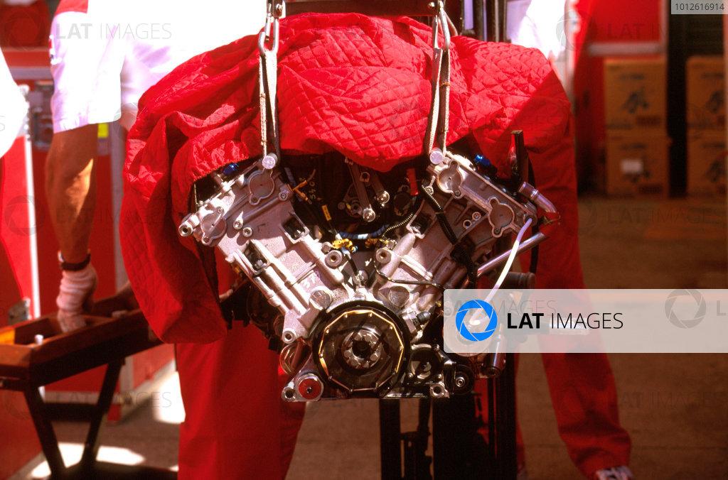 Suzuka, Japan.10-12 October 1997.A Ferrari 046 engine out of the car.Ref-97 JAP 06.World  Copyright - LAT Photographic