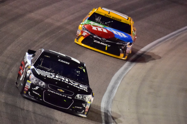 4-6 November, 2016, Fort Worth, Texas USA Kasey Kahne (5), Kyle Busch, M&M's Core Toyota Camry (18) ?2016, John Harrelson / LAT Photo USA