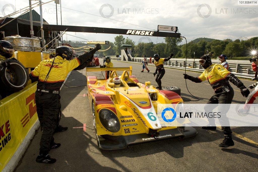 6 - 7 July, 2007, Lakeville, CT, USAFinal pit stop for winning Penske Porsche.©2007, Richard Dole, USA, LAT Photographic