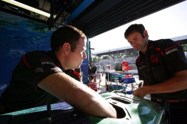 2007 Italian Grand Prix - Friday PracticeAutodromo di Monza, Monza, Italy.7th September 2007.Honda engineers work on the RA107. Portrait. Technical. World Copyright: Lorenzo Bellanca/LAT Photographicref: Digital Image ZD2J7237