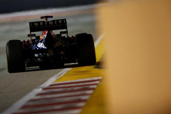 Marina Bay Circuit, Singapore23rd September 2012Sebastian Vettel, Red Bull RB8 Renault. World Copyright: Andy Hone/LAT Photographicref: Digital Image HONZ0754