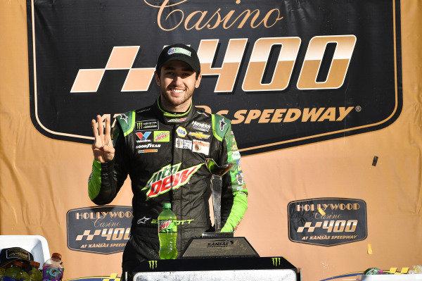 #9: Chase Elliott, Hendrick Motorsports, Chevrolet Camaro Mountain Dew wins
