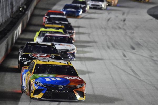 #18: Kyle Busch, Joe Gibbs Racing, Toyota Camry M&M's, #88: Alex Bowman, Hendrick Motorsports, Chevrolet Camaro ChevyGoods.com/Adam's Polishes