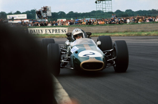 Silverstone, England 13th-15th July 1967. Denny Hulme (Brabham BT24-Repco) 2nd position, action.Ref: 67 GB 15 World Copyright: LAT Photographic