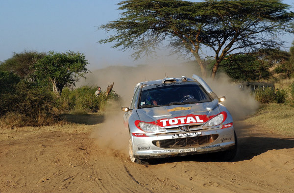 2002 World Rally Championship.Safari Rally, Nairobi Kenya, July 11-14th.Harri Rovanpera struggles through section 10 with a puncture.Photo: Ralph Hardwick/LAT