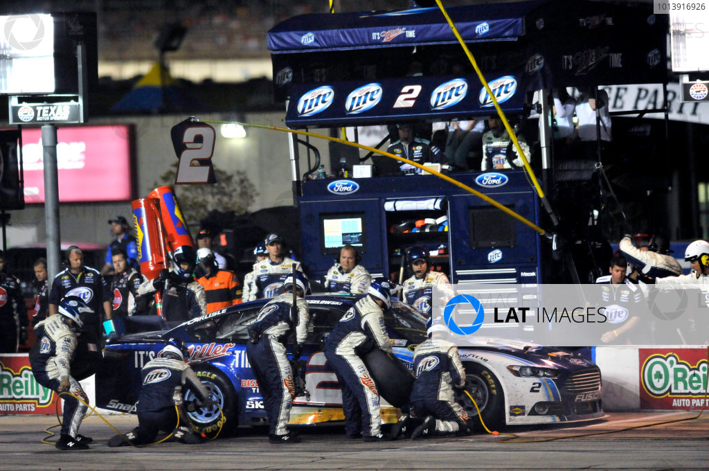 11-13 April, 2013, Fort Worth, Texas USA Brad Keselowski pit stop ©2013, Nigel Kinrade LAT Photo USA