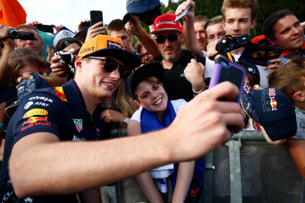 Spa Francorchamps, Belgium.  Thursday 24 August 2017. Max Verstappen, Red Bull Racing, takes a picture for a fan. World Copyright: Andy Hone/LAT Images  ref: Digital Image _ONZ8473