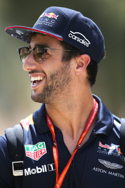 Bahrain International Circuit, Sakhir, Bahrain.  Friday 14 April 2017. Daniel Ricciardo, Red Bull Racing.  World Copyright: LAT Images ref: Digital Image B11O0448