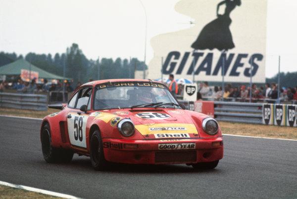 Le Mans, France. 14-15 June 1975 John Fitzpatrick/Gijs van Lennep/ Manfred Schurti/ Manfred Schurti (Porsche Carrera RSR), 5th position, action. World Copyright: LAT PhotographicRef: 75LM13.