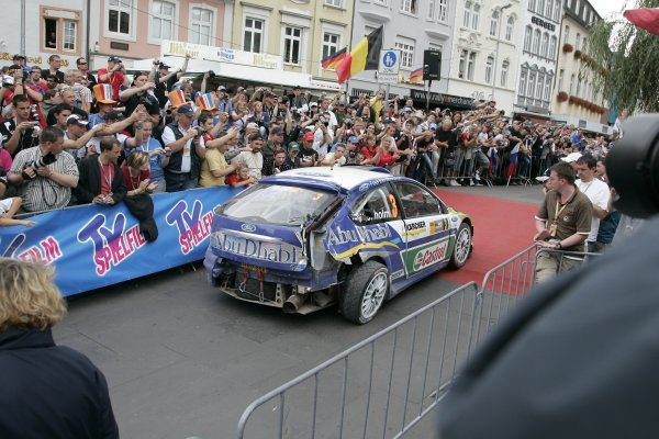 FIA World Rally Championship 2007Round 10Rally Deutschland, Germany.Trier, Germany.16th - 19th August 2007Worldwide Copyright: McKlein/LATFIA World Rally Championship 2007Round 10Rally Deutschland, Germany.Trier, Germany.16th - 19th August 2007Marcus Gronholm, Ford, damage.Worldwide Copyright: McKlein/LAT