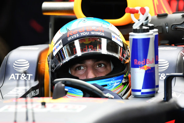 Daniel Ricciardo (AUS) Red Bull Racing RB13 at Formula One World Championship, Rd17, United States Grand Prix, Qualifying, Circuit of the Americas, Austin, Texas, USA, Saturday 21 October 2017.