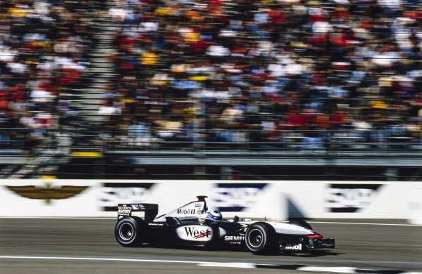 Mika Häkkinen, McLaren MP4-16 Mercedes.