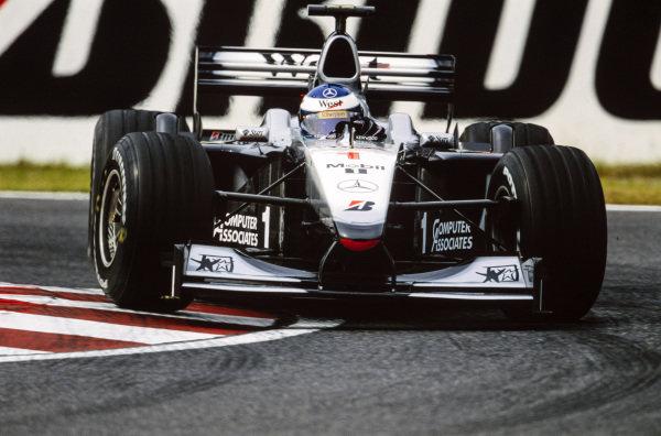 Mika Häkkinen, McLaren MP4-15 Mercedes.