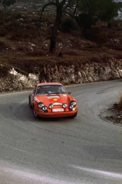 Monte Carlo, Monaco. 16th - 24th January 1970.Gerard Larrousse/Maurice Gelin (Porsche 911 S), 2nd position, action. World Copyright: LAT Photographic.Ref: 70MCRALLY30.