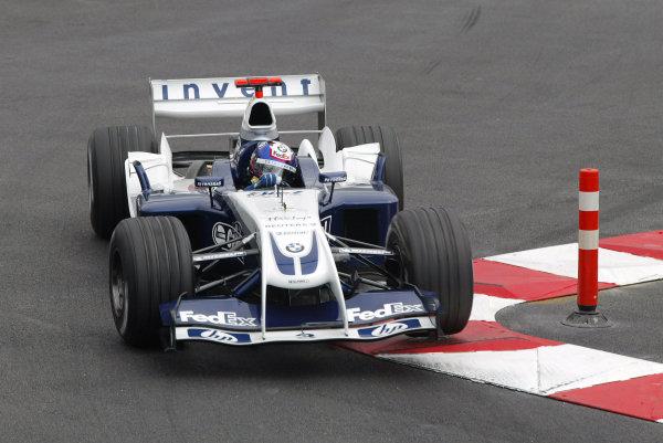 2004 Monaco Grand Prix - Thursday Practice,Monaco. 20th May 2004 Juan Pablo Montoya, BMW Williams FW26, action.World Copyright: Steve Etherington/LAT Photographic ref: Digital Image Only