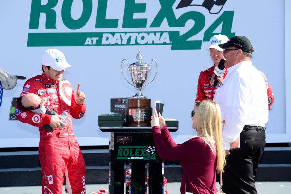 22-25 January, 2015, Daytona Beach, Florida USA 02, Ford EcoBoost, Riley DP, P, Kyle Larson family portrait on podium. ©2015, Richard Dole LAT Photo USA