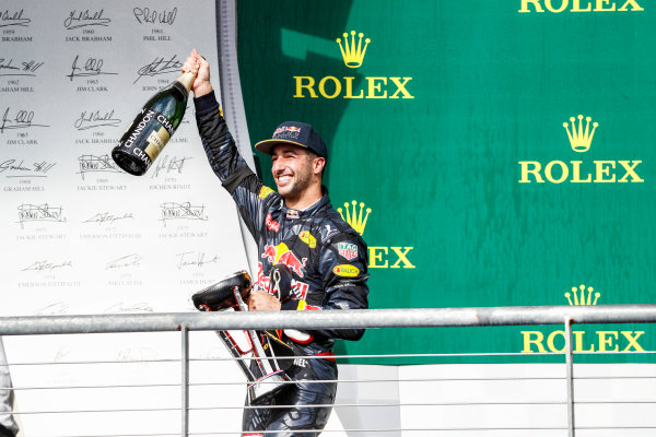Circuit of the Americas, Austin Texas, USA. Sunday 23 October 2016. Daniel Ricciardo, Red Bull Racing, 3rd Position, with his trophy and Champagne. World Copyright: Glenn Dunbar/LAT Photographic ref: Digital Image _31I5497