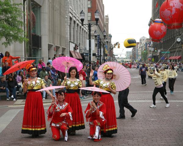 26  May, 2013, Indianapolis, Indiana,  USA Parasol Ladies c)2013, Maria W. Grady LAT Photo USA