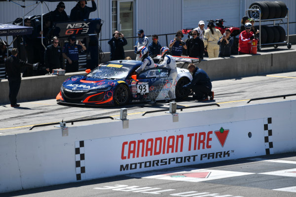 Pirelli World Challenge Victoria Day SpeedFest Weekend Canadian Tire Motorsport Park, Mosport, ON CAN Saturday 20 May 2017 Peter Kox/ Mark Wilkins pit stop World Copyright: Richard Dole/LAT Images ref: Digital Image RD_CTMP_PWC17096