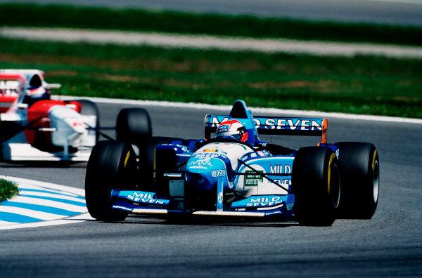 Barcelona, Spain.12-14 May 1995.Johnny Herbert (Benetton B195 Renault) 2nd position.Ref-95 ESP 07.World Copyright - LAT Photographic