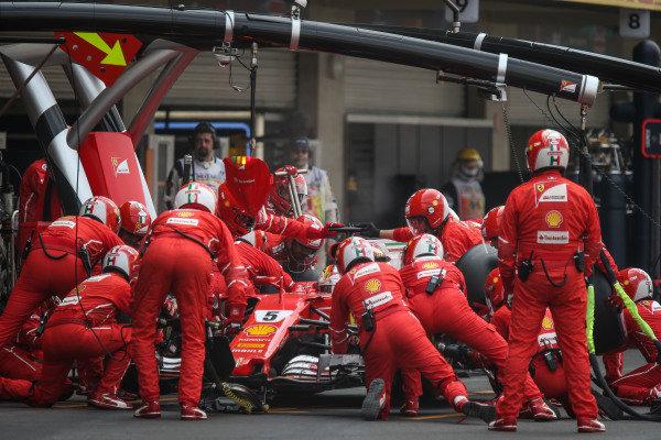 Sebastian Vettel (GER) Ferrari SF70-H makes a pitstop at Formula One World Championship, Rd18, Mexican Grand Prix, Race, Circuit Hermanos Rodriguez, Mexico City, Mexico, Sunday 29 October 2017.