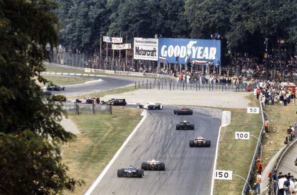 The parade lap. Mario Andretti, Lotus 79, leads Gilles Villeneuve, Ferrari 312T3, Jean-Pierre Jabouille, Renault RS01, Niki Lauda, Brabham BT46 Alfa Romeo, Ronnie Peterson, Lotus 78 Ford, Alan Jones, Williams FW06 Ford, John Watson, Brabham BT46 Alfa Romeo, Jody Scheckter, Wolf WR5 Ford, James Hunt, McLaren M26 Ford, Carlos Reutemann, Ferrari 312T3, Jacques Laffite, Ligier JS9 Ford.
