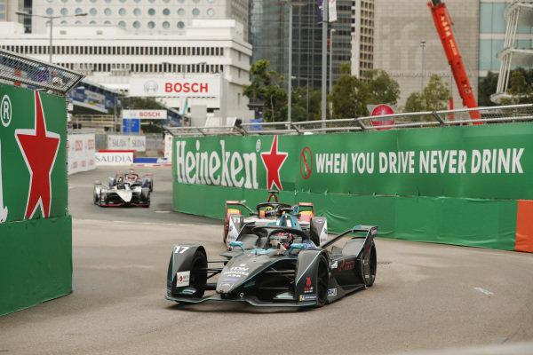 Gary Paffett (GBR), HWA Racelab, VFE-05 leads Lucas Di Grassi (BRA), Audi Sport ABT Schaeffler, Audi e-tron FE05