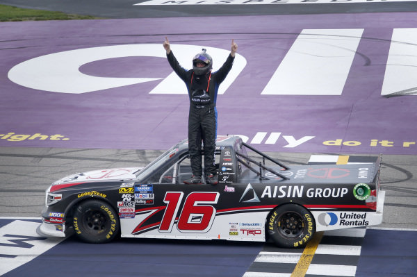 #16: Austin Hill, Hattori Racing Enterprises, Toyota Tundra Hino, AISIN Group