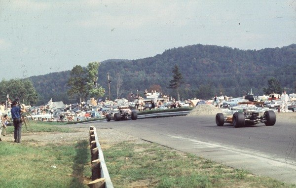 1968 Canadian Grand Prix.Mont-Tremblant, (St. Jovite), Quebec, Canada.20-22 September 1968.Dan Gurney leads Denny Hulme (both McLaren M7A Ford). Hulme finished in 1st position.Ref-68 CAN 16.World Copyright - LAT Photographic