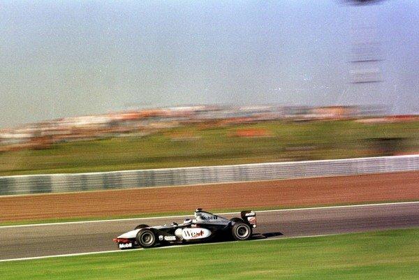 1998 Spanish Grand Prix.Catalunya, Barcelona, Spain. 8-10 May 1998.Mika Hakkinen (McLaren MP4/13-Mercedes-Benz) 1st position.World Copyright - LAT Photographic