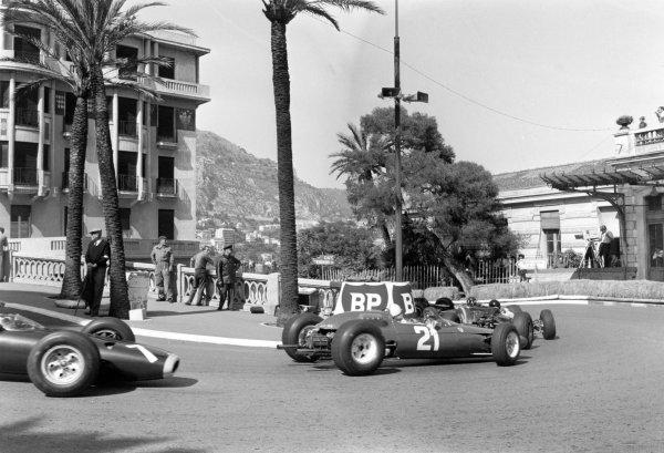 1964 Monaco Grand Prix.Monte Carlo, Monaco. 10 May 1964.John Surtees, Ferrari 158, retired, action.World Copyright: LAT Photographic