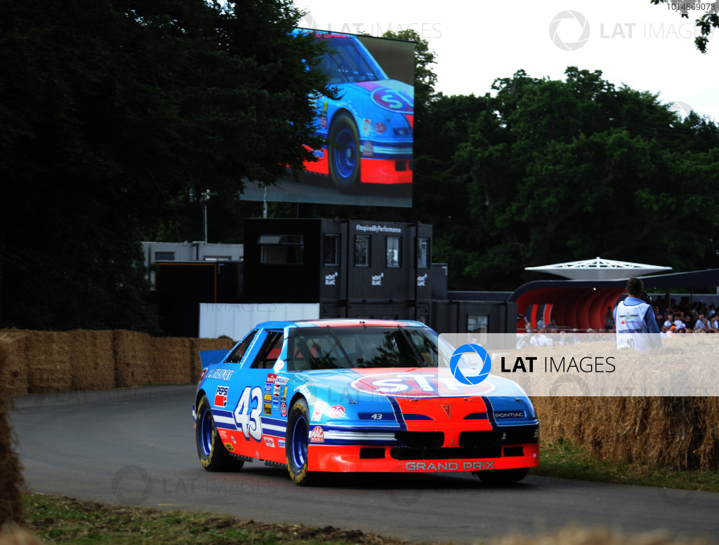 2017 Goodwood Festival of Speed Goodwood Estate, West Sussex,England 30th June - 2nd July2017 Bobby Labonte Pontiac World Copyright : Jeff Bloxham/LAT Images Ref : Digital Image